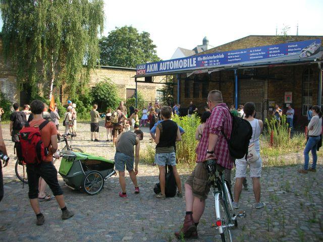 2014-07-26-hinter_dem_finanzamt_der_strand_8