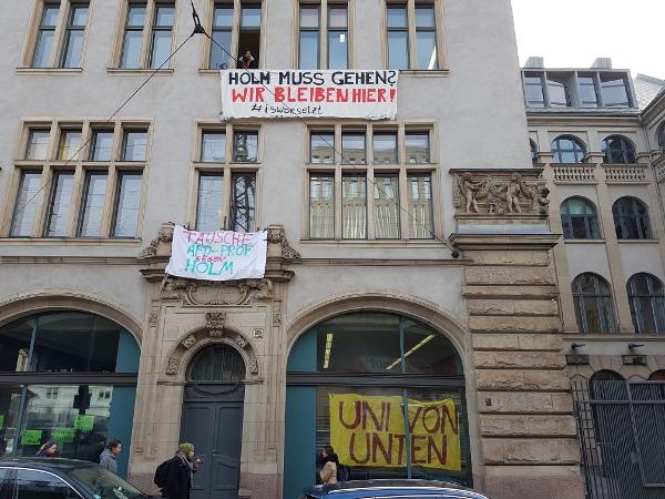(Fast) alle waren da! Das besetzte Sozialwissenschafltiche Institut der Humboldt Universität.